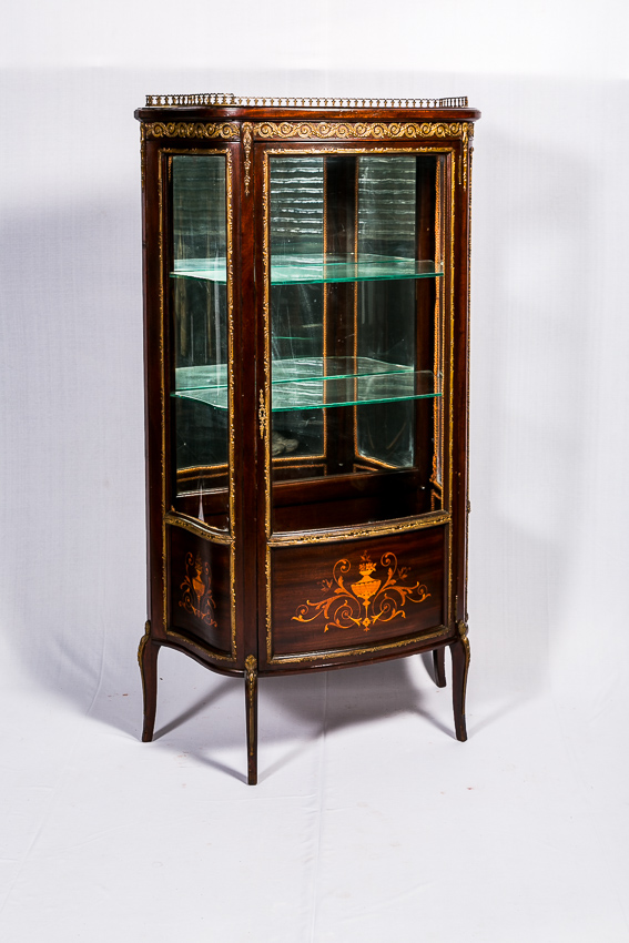 French ormolu Cabinet with Bronze Mounting